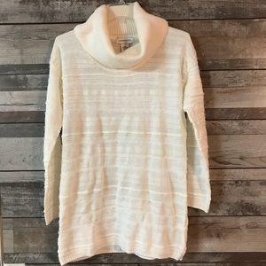 Liz Claiborne white extremely SOFT sweater Sm.
